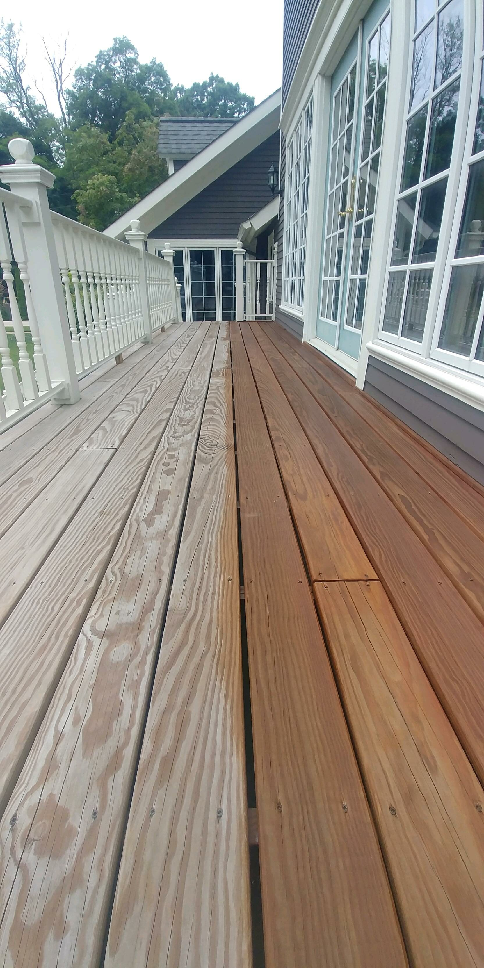 chagrin-falls-exterior-deck-refinish-staining-professional