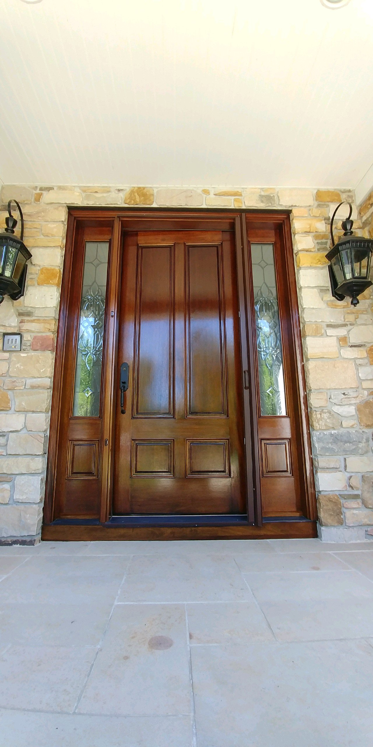 gates-mills-staining-door-contractor