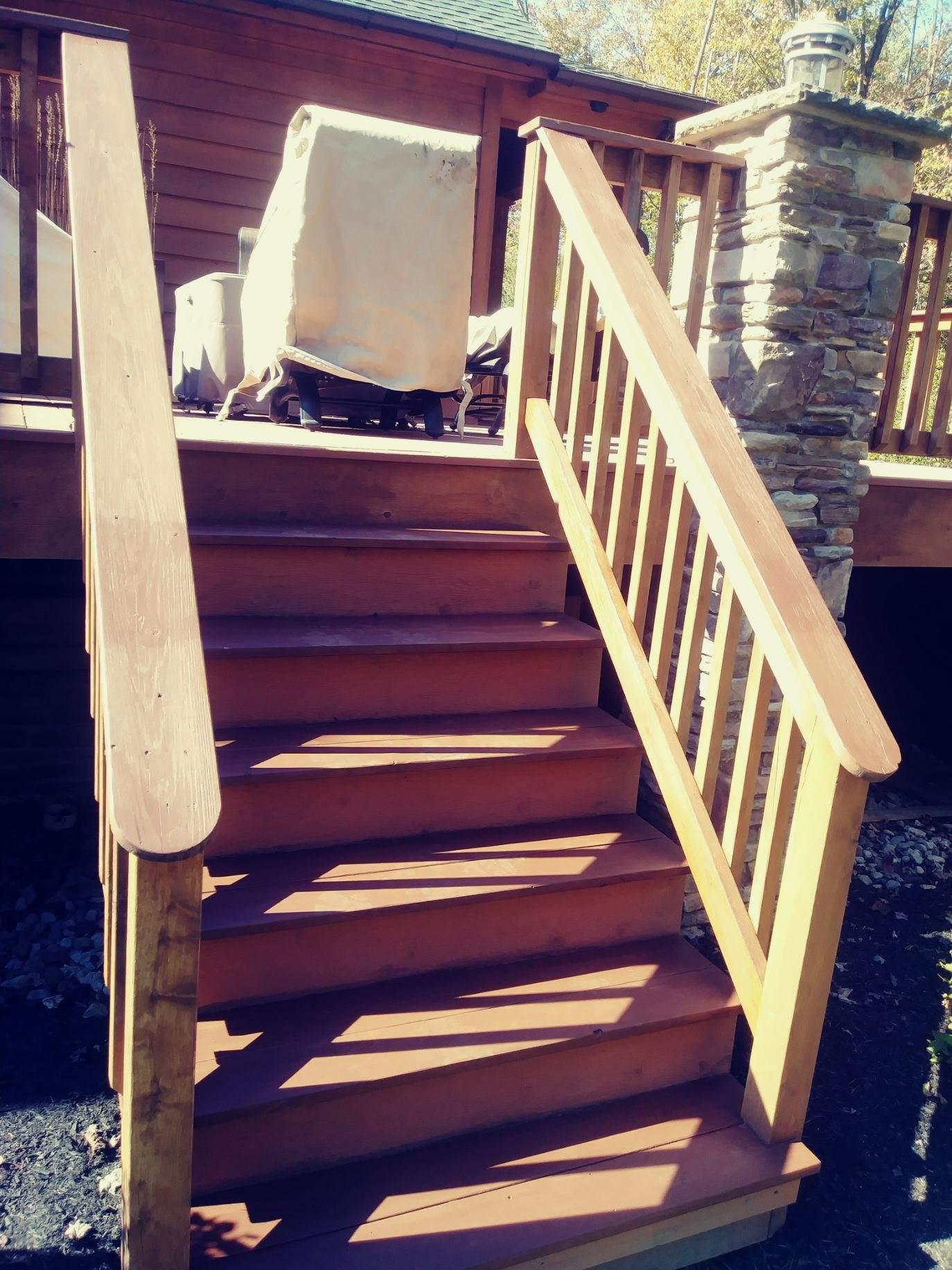 solon-exterior-deck-refinish-stain