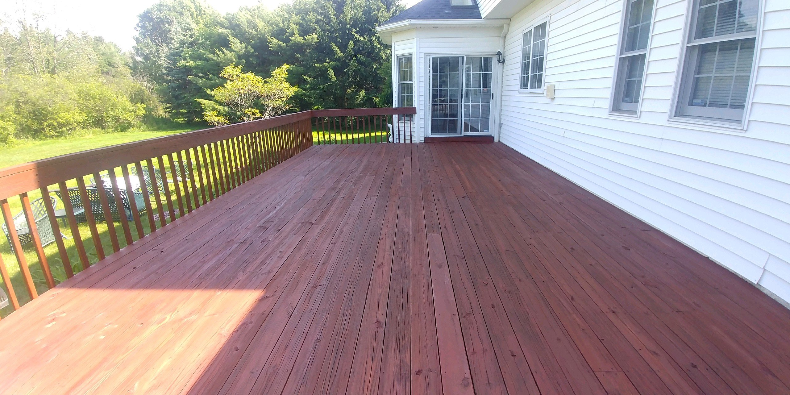 south-russell-deck-staining